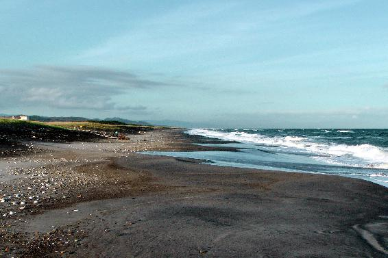 Alongside the coast to the north